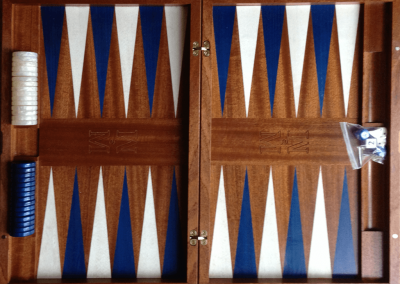Mahogany with dyed blue and white points and commercial plastic chips